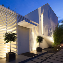 Maqueda y rom n instalaciones iluminaci n madrid for Iluminacion exterior jardin diseno